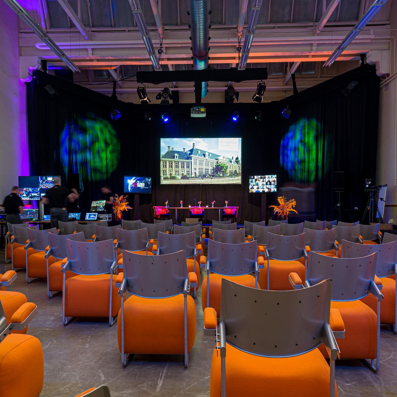 https://mluwrm0uc0jv.i.optimole.com/k7WnSnM-AXHYMC5t/w:320/h:320/q:auto/https://www.blendedconnect.nl/wp-content/uploads/2020/06/online_event.jpg